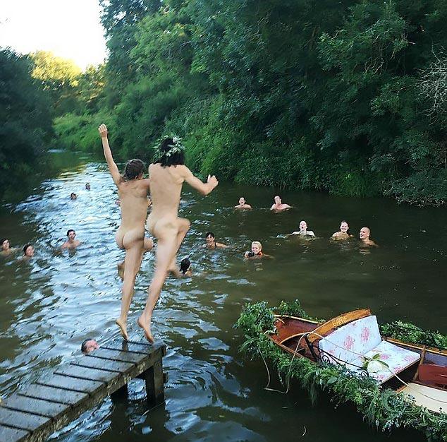 naked-couple2